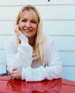 Photo of Shelly Grant